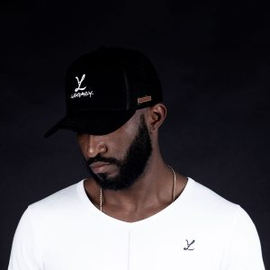 Boné Trucker Black T